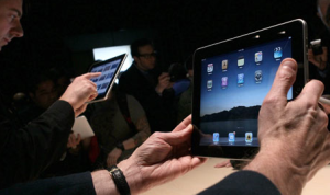 Can-my-iPad-Replace-my-Laptop-and-Cell-Phone