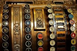 antiques-hero-02